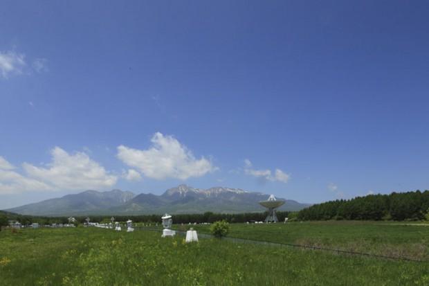 春の八ヶ岳と野辺山電波望遠鏡